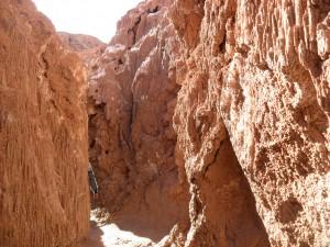 Entrée d'une grotte dans la Valle de la Luna, un homme y a même perdu un bras selon la légende